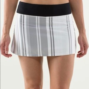 Lululemon Run Pace Setter Skirt Groovy Stripe FLAW